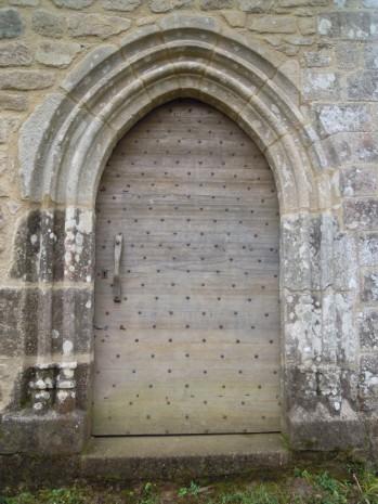 Porte de la Chapelle de Saint Pantaléon-de-Lapleau